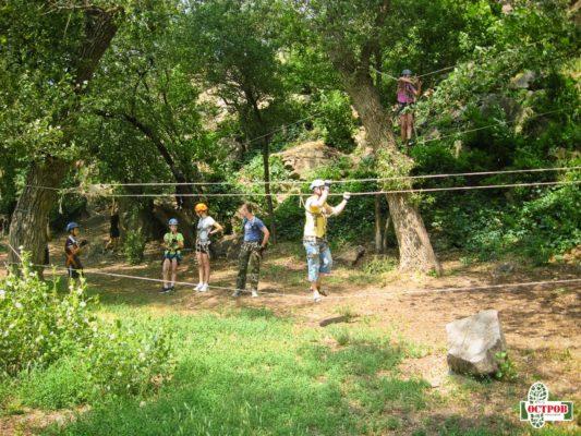 высокий веревочный парк