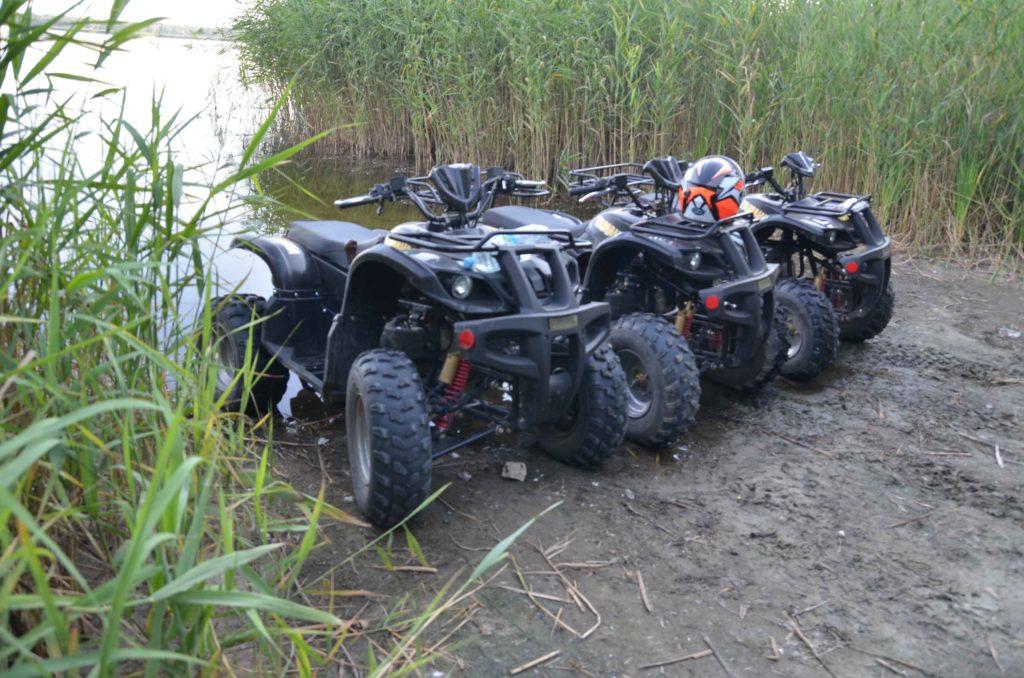 Квадроциклы в воде