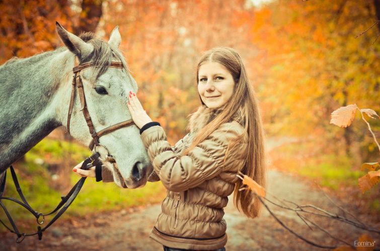 Гладим лошадь